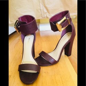 Shoes - Women's Wedge Heel by Bamboo Size 7.5 Burgundy